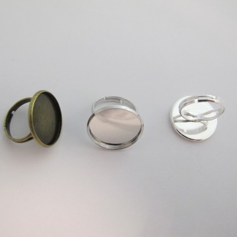 20 pieces Bague à rebord cabochon 20mm