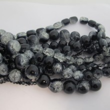 Glass Beads Crackle mix white black