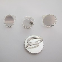 20 pieces Ring with decorated rim for cabochon