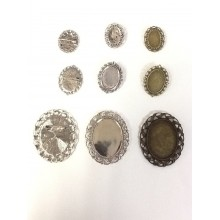 Oval pin holder for cabochons