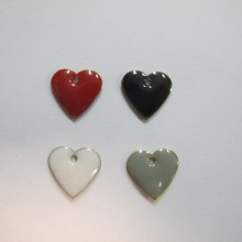 20 Double-sided enamelled heart sequin