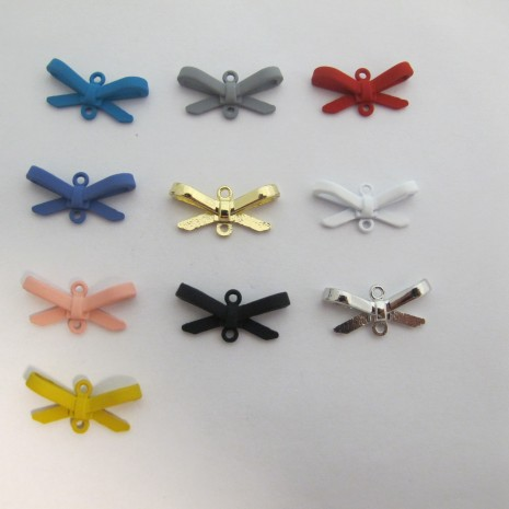 30 Intercalaire Noeud Papillon 21X10MM
