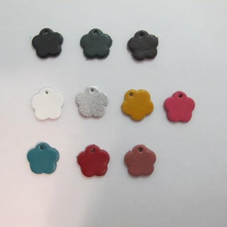 10 pendentif fleur en cuir 16mm