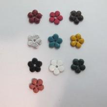 10 estampes fleur en cuir 13mm