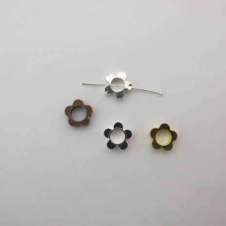 100 Perles fleur en laiton 10x3mm