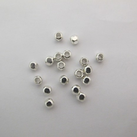 50 perles en laiton 7x6mm trou 3.0mm