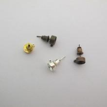 50 pcs Clous d'oreilles porte-strass diamant 6mm