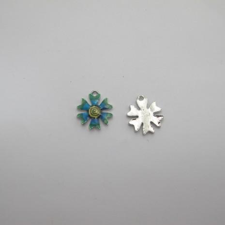 10 Pendentifs/breloques fleur en métal 17x15mm