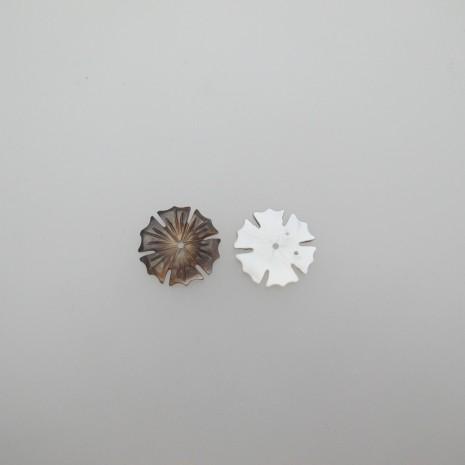 10 fleur nacre 17mm