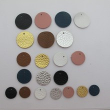 10 pendentifs ronds en cuir 15mm et 20mm et 25mm
