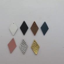 10 Pendantif losanges 28x16mm  en cuir