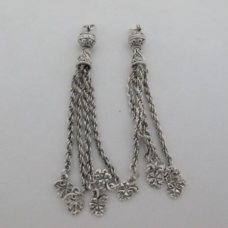 Pompons métals fantaisies argenté avec des petits feuille