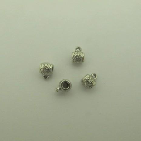 100 pcs Attaches pendentifs 7x9mm pour cordon 3 mm