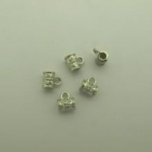100 pcs Attaches pendentifs 8x9mm pour cordon 3 mm