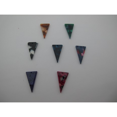 20 pcs Pendentif triangle en acétate 23x13mm