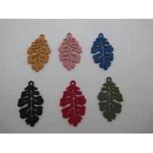 20 pcs pendentif  feuilles en métal coloré Teinté  33x20mm