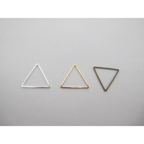 25 pcs intercalaires triangle 22mm laiton burt
