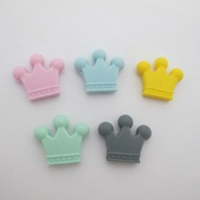 10 pcs perles couronne en silicone 30x35mm