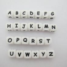 20 pcs perles de lettre en silicone 12mm