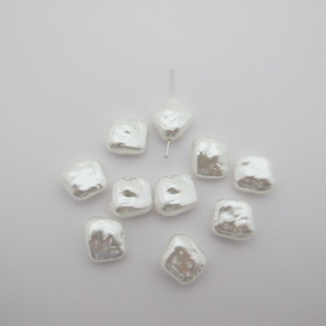 125gm perles nacrées  15x13mm