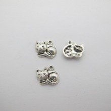 50 pcs pendentif  chat en métal 14x13mm