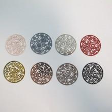 50 Round laser cut flower stamps 32mm