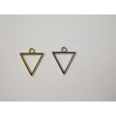 30 Pendentif triangles ajourés 18x11mm
