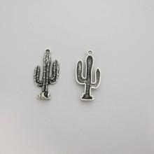 50 Breloques Métal cactus 33x16mm