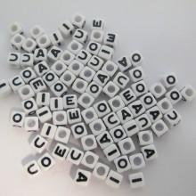 500gm Plastic Cube 7mm Letters Vowels mix