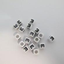 500gm Plastic cube 7mm letters E