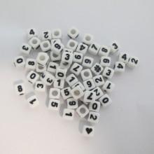 500gm cube en plastique 7mm  Chiffre mix