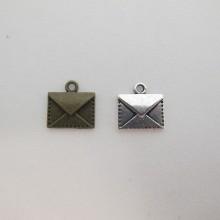 50 Breloques Métal Enveloppe 14x14mm