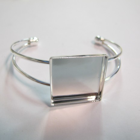 2 pieces Bracelet serti pour cabochon carré 25x25x5mm