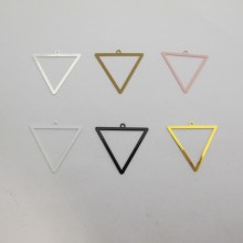 30 Estampe  Triangle Laser Cut 25X24mm