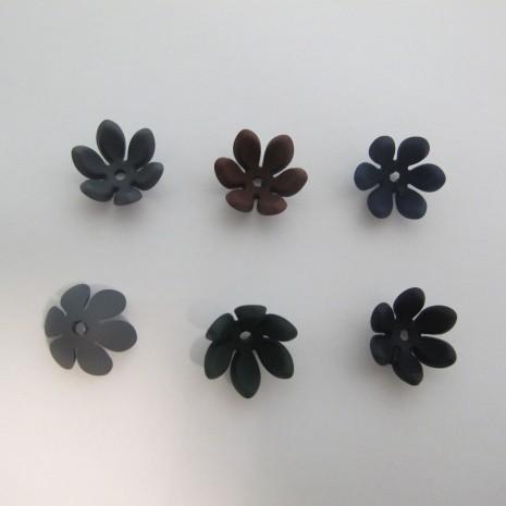 20 Fleurs Coupelles 18mm En Plastique Mat